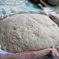 Domáci chlieb v rimskom hrnci